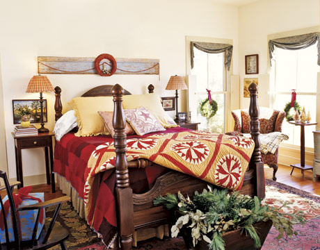 Bedroom-Christmas-Red-HTOURS1206-decl