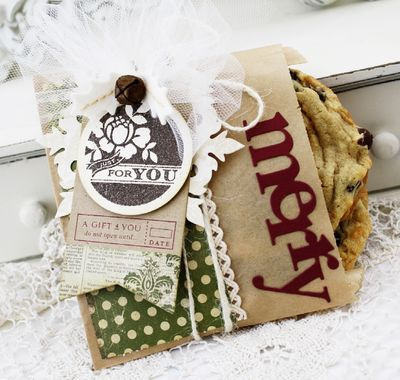 2011holidaytags_meliphillips1